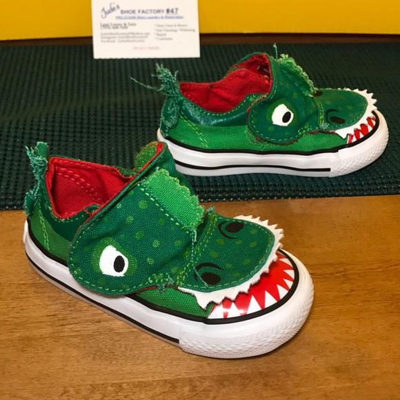 0d7211121094 Converse Other - CONVERSE Alligator Crocodile Velcro Shoes Size 5C
